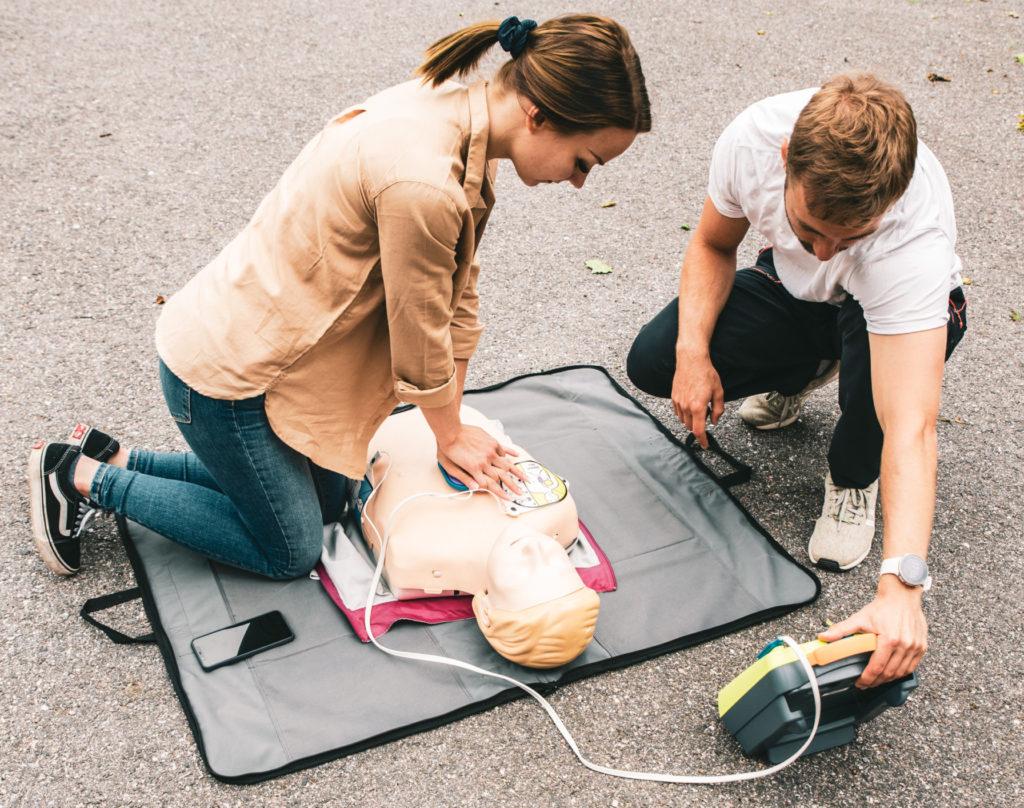 Defibrillaattorin käyttökoulutus